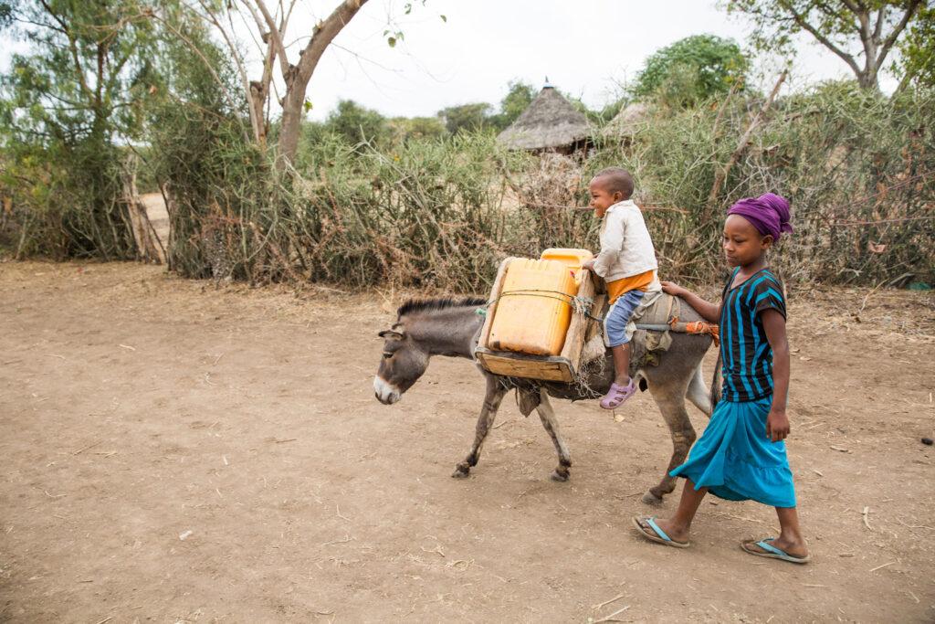 Dünyada her beş çocuktan biri susuzluk mağduru